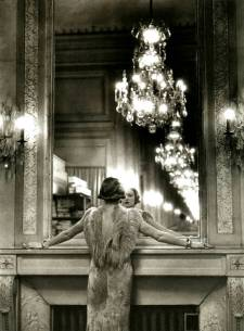 Grand mirror of the Molyneux atelier. Paris, France, 1934