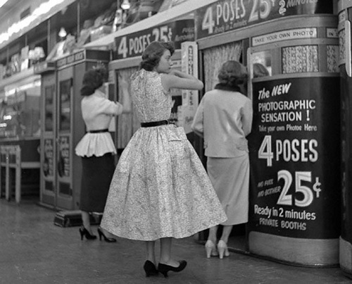 photo booth 1950 frank oscar Larson