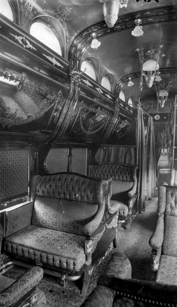 Train Travel in the 1800s