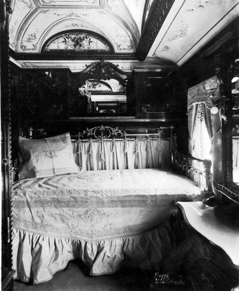 Train Travel in the 1800s2