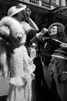54ac91d55b580_-_elle-17-vintage-women-drinking-xln