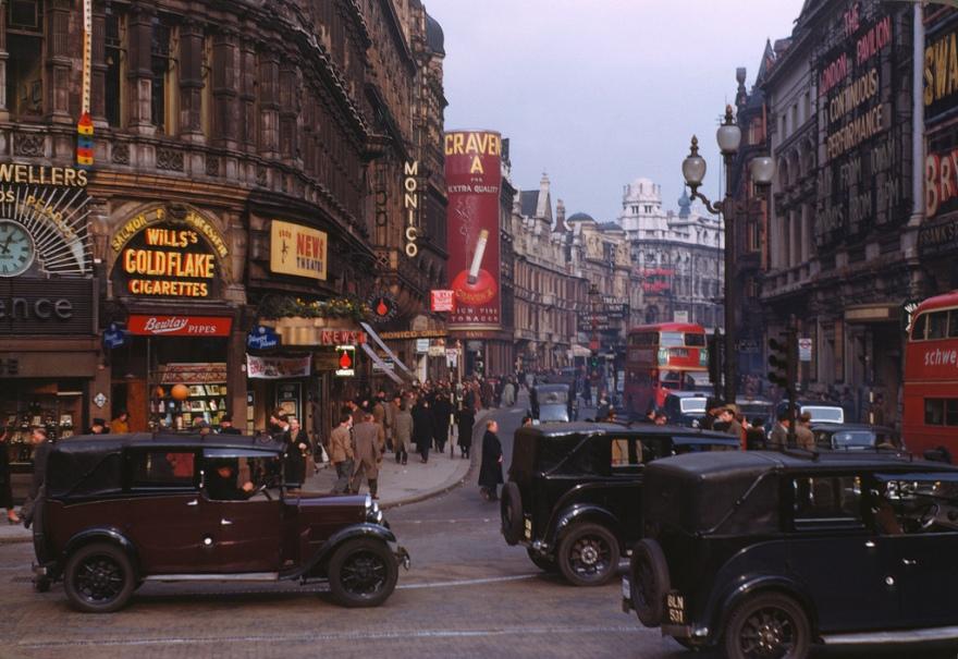 Street scene in London , 1949