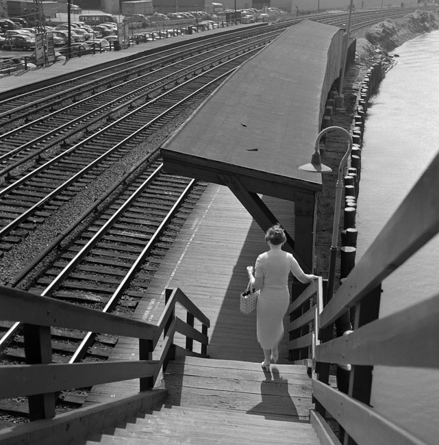 Train Platform marlne hill bronx 1955
