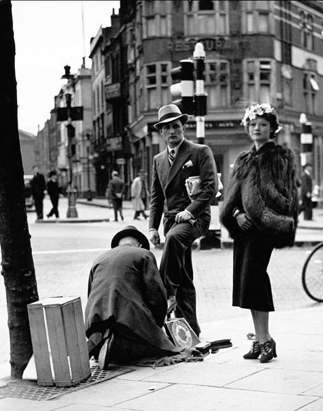 London Shoeshine in London, 1936