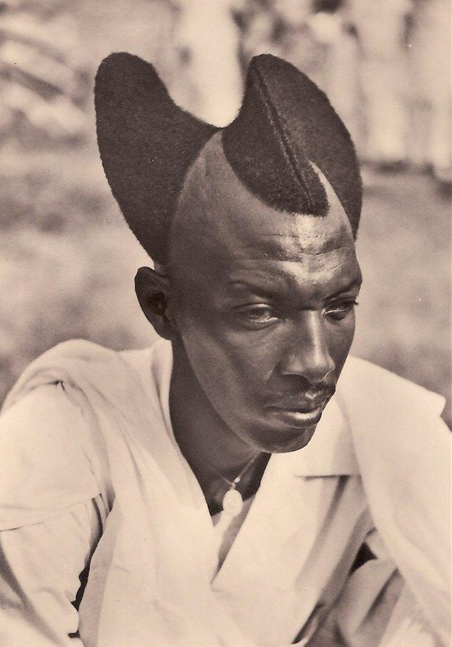 Rwandan man with an Amasunzu hairstyle - 1923
